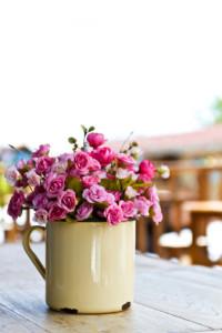 סידור פרחים מלאכותיים