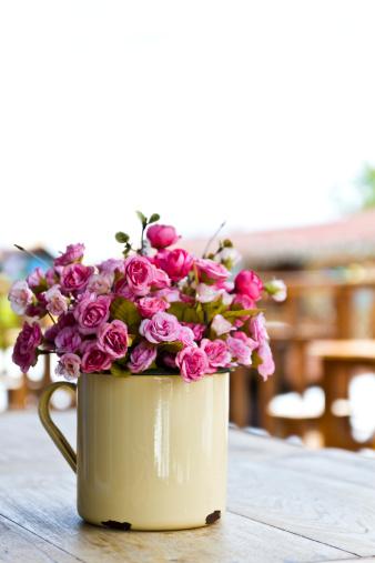 סידור פרחים מלאכותיים – לבית, לאירוע, או סתם מתנה למישהו שאוהבים